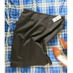 Classic and chic black pencil skirt, new with tags